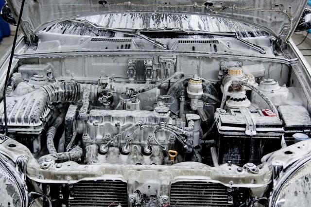 Как отмыть двигатель автомобиля в домашних условиях